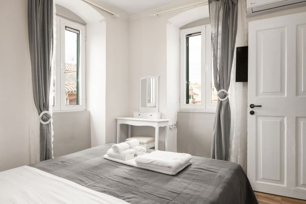 corfu old town apartment to stay for holidays 02